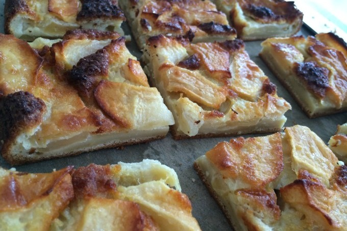 Custardy Apple Squares