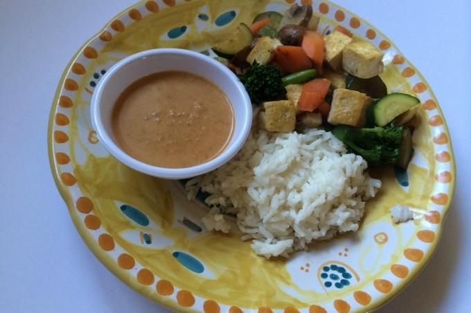 Stir-Fried Tofu and Vegetables with Thai Peanut Sacue