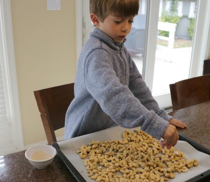 sprinkling-cashews