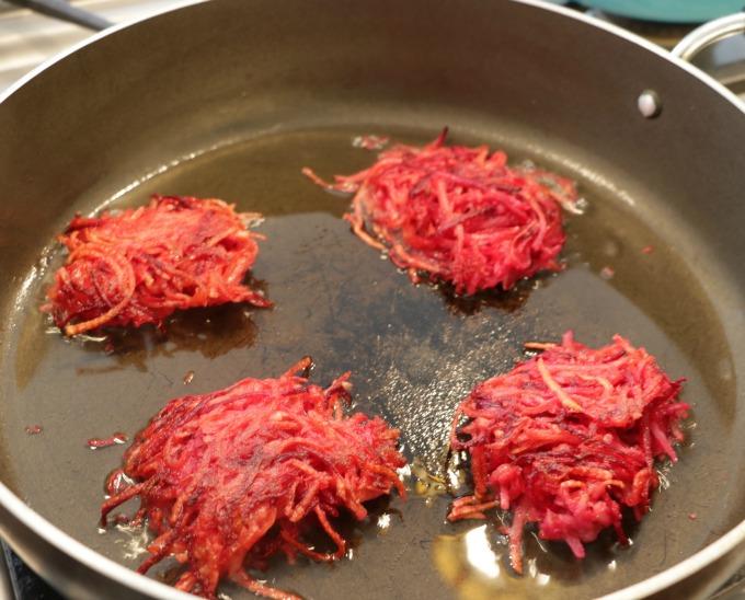 frying-latkes